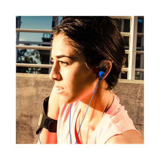 Reflect Aware - Teal - Lightning connector sport earphone with Noise Cancellation and Adaptive Noise Control. - Detailshot 9