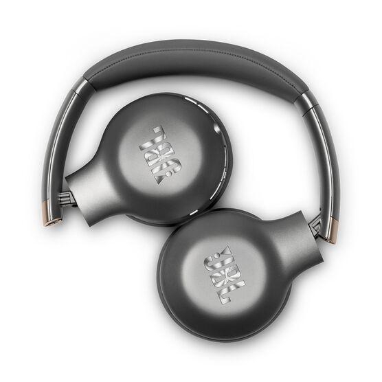 EVEREST™ 310GA - Gun Metal - Wireless on-ear headphones - Detailshot 1