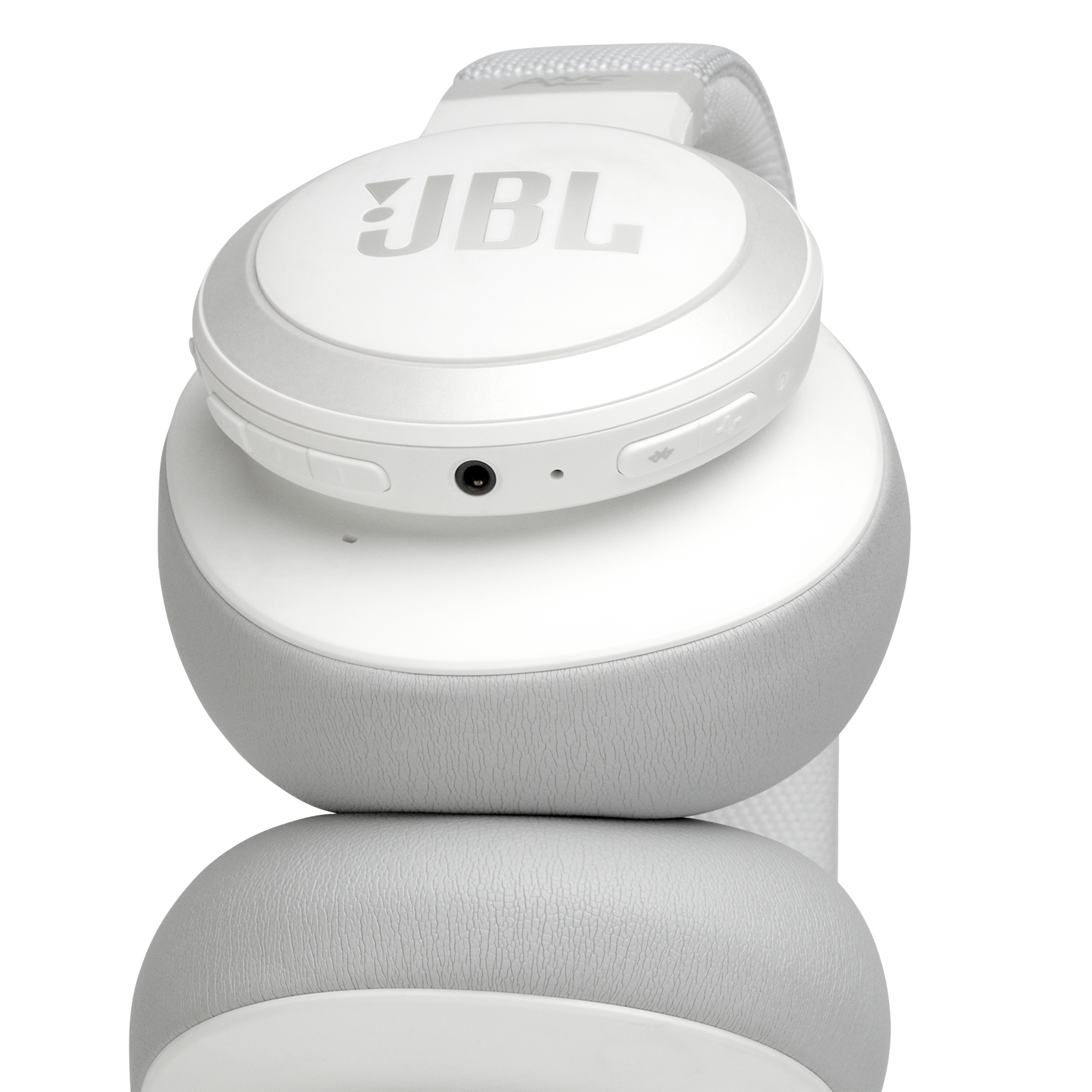 JBL LIVE 650BTNC - White - Wireless Over-Ear Noise-Cancelling Headphones - Detailshot 2